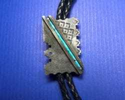 Aaron Brokeshoulder (Shawnee, Choctaw, Kewa) – Bolo Tie