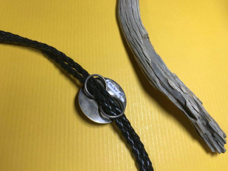 Lyndon Ahiyite (Zuni) – kreisrunde Bolo Tie