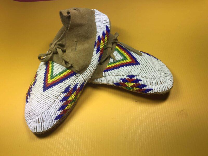Oglala-Lakota – fully beaded Moccasins