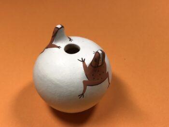 Agnes Peynetsa (Zuni) – Krüglein mit Fröschen