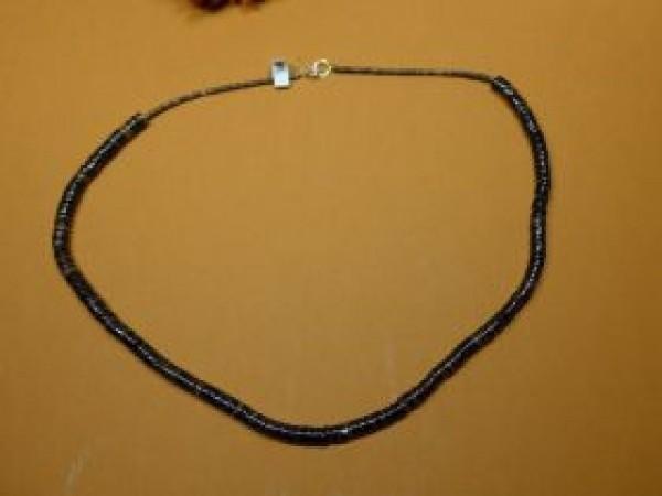Indianer, Betty Rodriguez, Kewa, Penshell, Halskette, Betty Rodriguez (Kewa) – Penshell Halskette